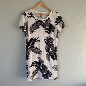 Old Navy Palm Tree T shirt dress